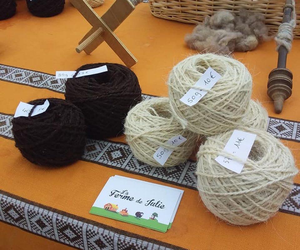 La Ferme de Julie, Mini-Mouts, pelotes, laine, moutons ouessant, charente